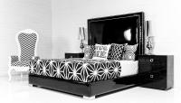 Palm Beach bed in Black Faux Patent Leather