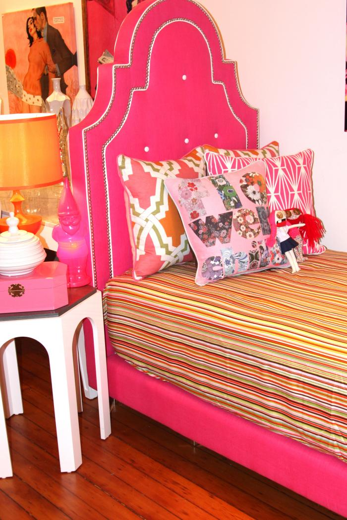 Twin Hollywood Bed - Pink & White