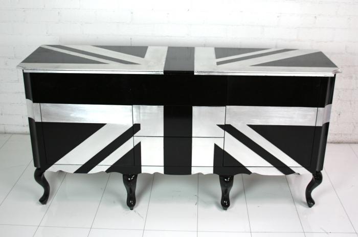 Big Ben Dresser
