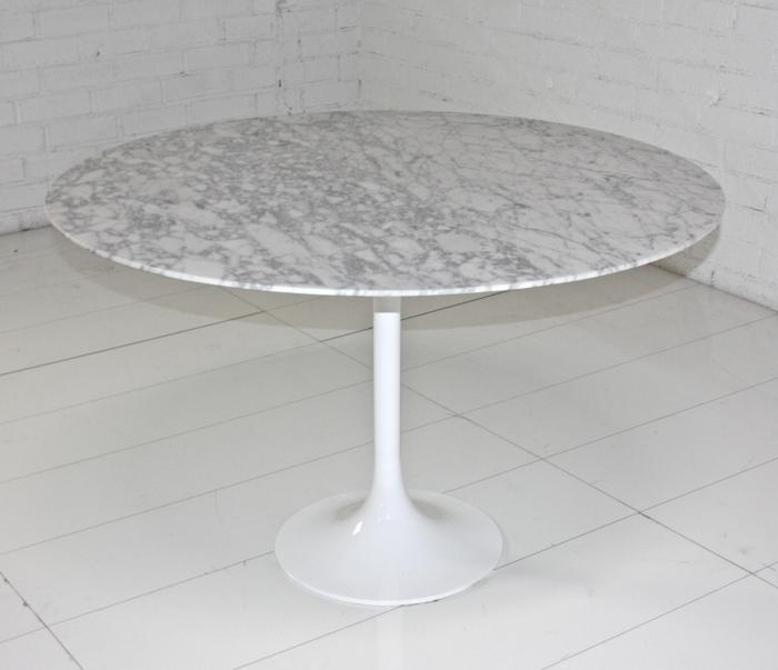 dining table saarinen round dining table reproduction. Black Bedroom Furniture Sets. Home Design Ideas