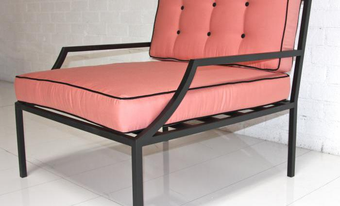 Delicieux Hollywood Oversized Outdoor Chair In Pink With Black Piping