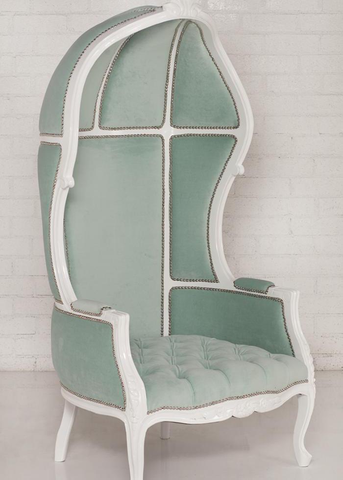 Charmant French Twist Balloon Chair