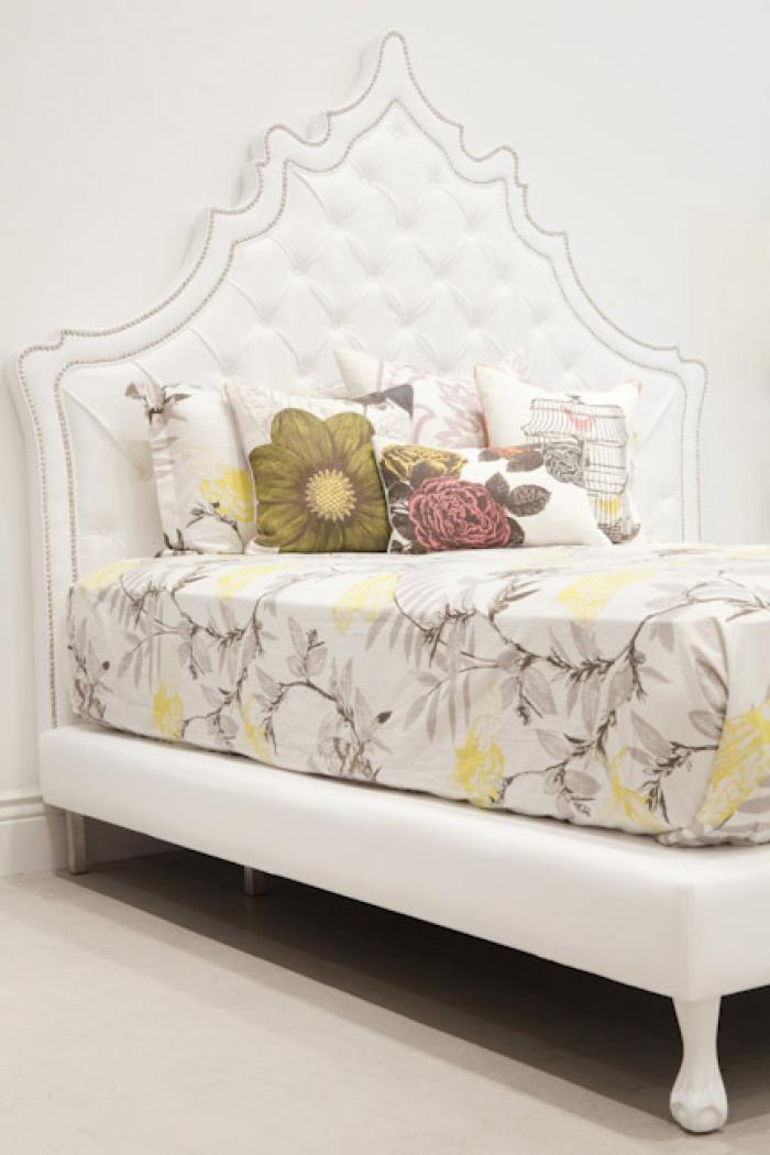 Casablanca Bed in White Tufted Faux Leather