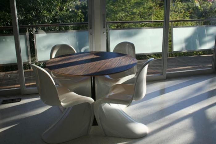 Eero Saarinen Style Round Macassar Dining Table