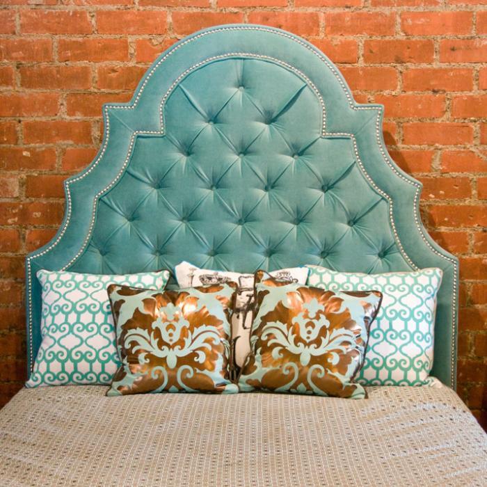 Www Roomservicestore Com Velvet Tufted Marrakesh Bed