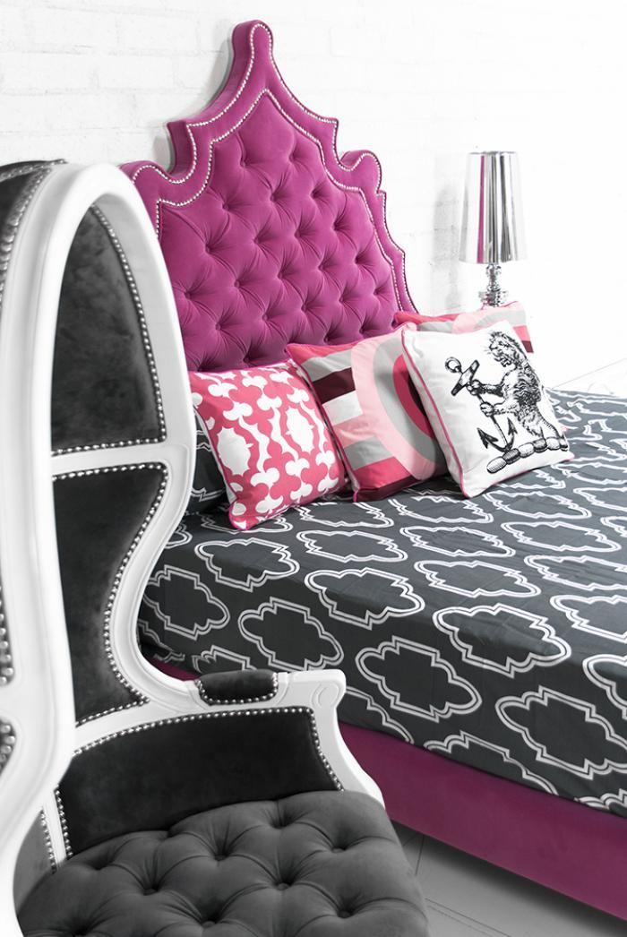 Www Roomservicestore Com Casablanca Bed In Pink Velvet