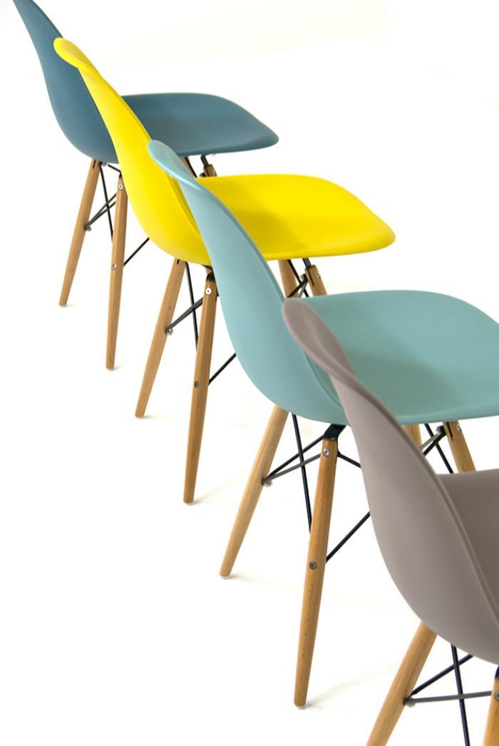 www.roomservicestore.com - Bucket Chairs